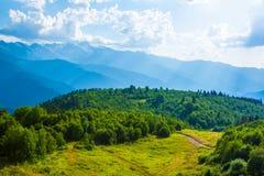 Paisagem da montanha Cáucaso, Svanetia, Ushguli, Ushba, Geórgia Foto de Stock