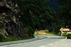 Paisagem da montanha com estrada Foto de Stock Royalty Free