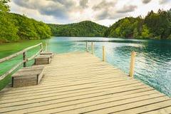 Paisagem da montanha com florestas e água das montanhas La de Plitvice Imagens de Stock Royalty Free