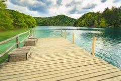 Paisagem da montanha com florestas e água das montanhas La de Plitvice Imagem de Stock