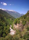Paisagem da montanha com rio fotos de stock royalty free