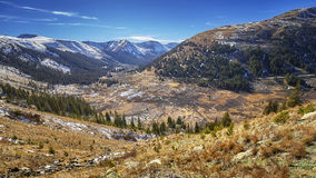 Paisagem da montanha da passagem da independência, Colorado, EUA foto de stock