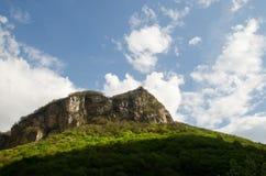 Paisagem da montanha de montanhas caucasianos Fotografia de Stock Royalty Free