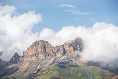 Paisagem da montanha de montanhas caucasianos Fotografia de Stock