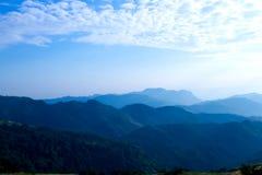 Paisagem da montanha do céu Imagens de Stock Royalty Free