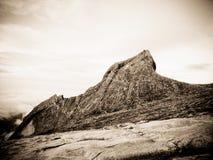 Paisagem da montanha do granito - montagem Kinabalu fotos de stock royalty free