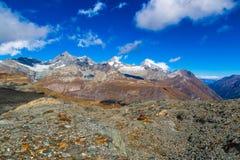 Paisagem da montanha dos cumes no suíço Foto de Stock Royalty Free