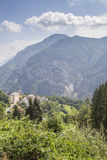 Paisagem da montanha dos montes dos cumes fotografia de stock