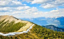 Paisagem da montanha na mola Imagem de Stock Royalty Free
