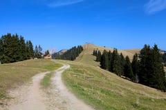 Paisagem da montanha no dia ensolarado Fotografia de Stock Royalty Free