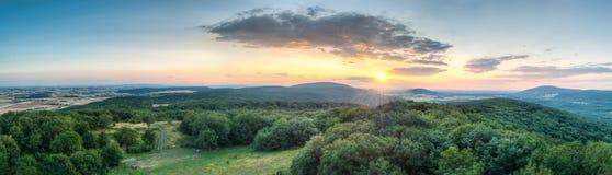 Paisagem da montanha no por do sol Imagem de Stock