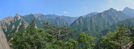 Paisagem da montanha, parque nacional de Seoraksan, Coreia Fotos de Stock