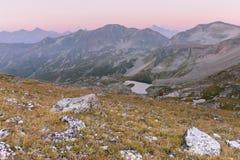 Paisagem da montanha Passe Uchkulan Lago highland Imagens de Stock