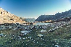 Paisagem da montanha Passe Uchkulan Lago highland Foto de Stock