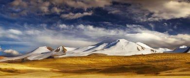 Paisagem da montanha, platô Ukok imagens de stock