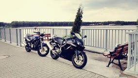 Paisagem da motocicleta do velomotor de duas motocicletas Fotografia de Stock Royalty Free