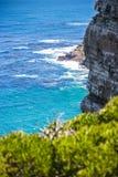 Paisagem da natureza ao lado da cidade da cidade do cabo, oceanscape com cl alto imagens de stock