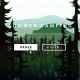 Paisagem da natureza do verão no fundo de florestas e de rios das montanhas Imagem de Stock Royalty Free