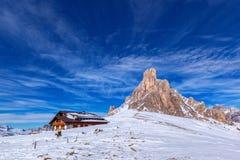 Paisagem da neve de Passo Giau, dolomites, Itália Imagem de Stock