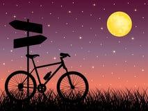 Paisagem da noite com uma bicicleta Fotografia de Stock Royalty Free