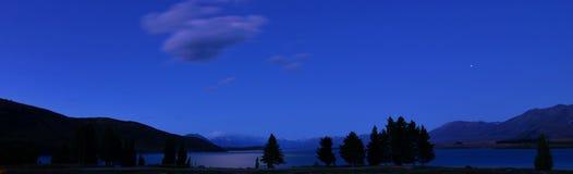 Paisagem da noite de Tekapo Nova Zelândia do lago imagem de stock royalty free