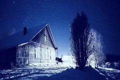Paisagem da noite do inverno foto de stock