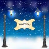 Paisagem da noite do inverno com postes de luz do vintage Imagens de Stock Royalty Free