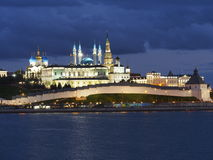 A paisagem da noite do Kremlin de Kazan Imagem de Stock