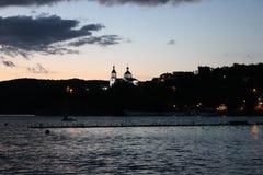 Paisagem da noite no lago Fotos de Stock
