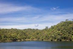 Paisagem da represa de Guatape em Antioquia - Colômbia fotos de stock royalty free