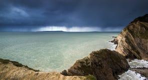 Paisagem da terra de aproximação da tempestade do mar Fotos de Stock Royalty Free
