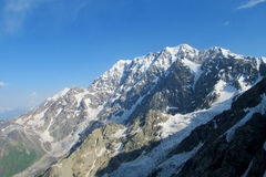 Paisagem das geleiras e dos picos da montanha Fotografia de Stock Royalty Free
