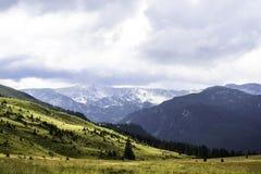 Paisagem das montanhas, estrada de Transalpina Imagens de Stock Royalty Free