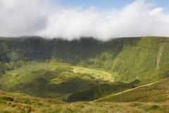 Paisagem de Açores na ilha de Faial Cone vulcânico grandioso de Caldeira Foto de Stock Royalty Free