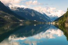 Paisagem de Noruega do fiorde de Hardanger Fotografia de Stock Royalty Free