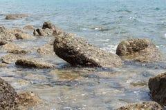 Paisagem de pedra do mar da praia Fotos de Stock Royalty Free