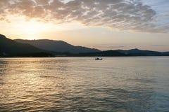 Paisagem de Seto Inland Sea cedo em uma manhã fotografia de stock