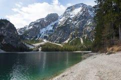 Paisagem de Springer do lago Braies, Trentino, Itália Fotografia de Stock Royalty Free
