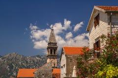 Paisagem de Sunny Mediterranean Montenegro, baía de Kotor fotos de stock royalty free