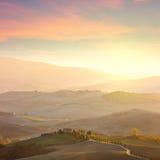 Paisagem de Sunny Tuscany imagem de stock royalty free