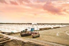 Paisagem de uma exploração agrícola de sal Foto de Stock
