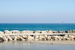 Paisagem 21 do céu do mar de Europa da praia do fim de semana da Espanha fotografia de stock royalty free