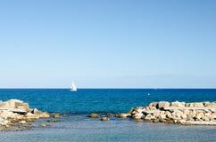 Paisagem 50 do céu do mar de Europa da praia do fim de semana da Espanha imagens de stock