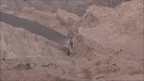 Paisagem do deserto de Atacama o Chile das montanhas, do vulcão e do vale vídeos de arquivo