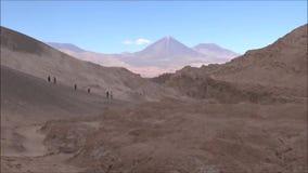 Paisagem do deserto de Atacama o Chile das montanhas, do vulcão e do vale video estoque