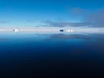 Paisagem do iceberg da Antártica Fotografia de Stock Royalty Free