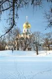 Paisagem do inverno com igreja foto de stock
