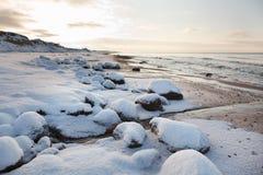 Paisagem do inverno na praia Imagens de Stock