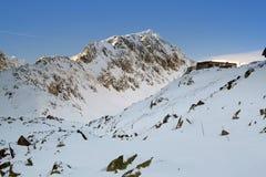 Paisagem do inverno nas montanhas Foto de Stock Royalty Free