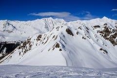 Paisagem do inverno nos cumes de Lepontine Imagens de Stock Royalty Free